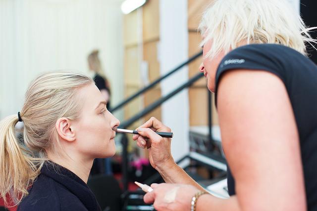 makeup artist job openings - Style Guru: Fashion, Glitz
